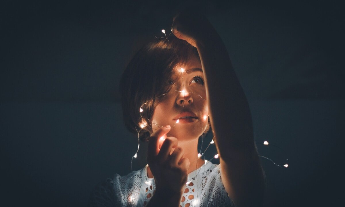 woman lightstring